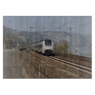 Planche À Découper Train des personnes dans les Niederheimbach