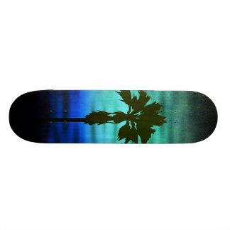Planche à roulettes bleue de paume skateboards personnalisés