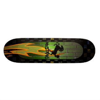 Planche à roulettes de cheval d'arc-en-ciel skateboards personnalisés