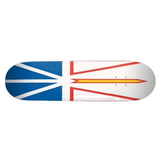 Planche à roulettes de drapeau de Terre-Neuve et d Skateboards Customisés