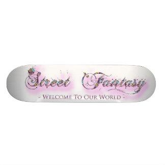 Planche à roulettes de femelle d'imaginaire de rue plateau de skateboard