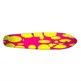 Planche à roulettes de Geo 7.  Rose, jaune Plateau De Planche À Roulettes