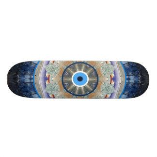 """Planche à roulettes de protection """"d'oeil mauvais"""" skateboard customisable"""