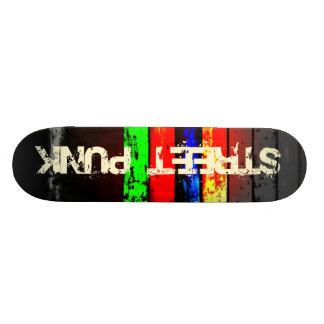 Planche à roulettes de punk de rue skateboard