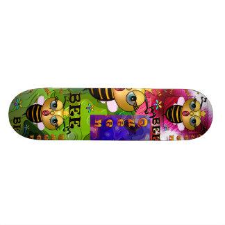 Planche à roulettes de reine des abeilles skateboard customisable