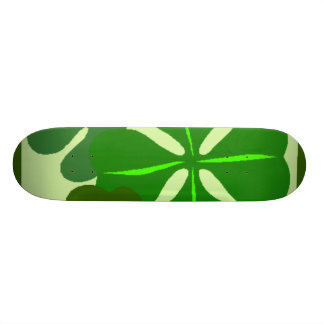 Planche à roulettes de trèfle de quatre feuilles planches à roulettes
