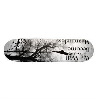 Planche à roulettes gothique d'Emo noire et Plateau De Planche À Roulettes
