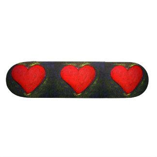 Planche à roulettes peinte de coeur skateboards