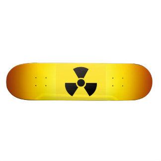 Planche à roulettes radioactive de signe plateaux de skate