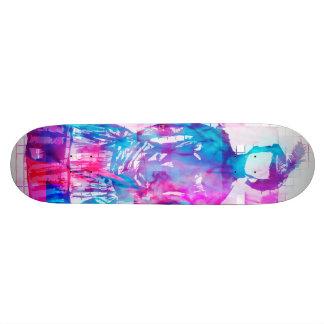 Planche à roulettes sans visage gothique de plateaux de skateboards