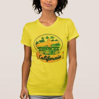 Planche de surf de la Californie T-shirts