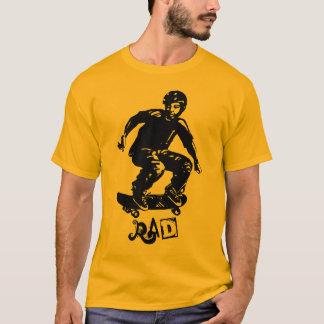 Planchiste de rad de garçon de patineur t-shirt