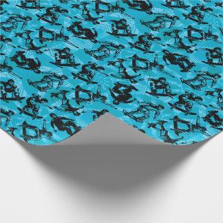 Planchistes de garçon de patineur bleus papier cadeau noël