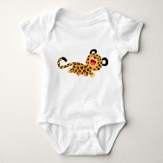 Plante grimpante plaisante de bébé de léopard de t-shirt
