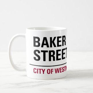 Plaque de rue de Baker Mug