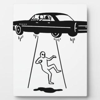 Plaque Photo abduction de voiture des aliens