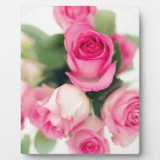 Plaque Photo Bouquet des roses roses le jour blanc de