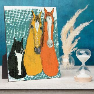 Plaque Photo conception de cheval d'amusement de trois amis