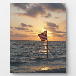Plaque Photo Drapeau de coucher du soleil