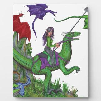 Plaque Photo Fille avec des dragons et des dinosaures