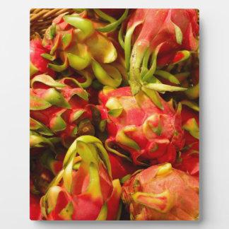 Plaque Photo Fruit de dragon dans un panier