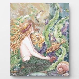 Plaque Photo Jeune sirène blonde dans l'océan
