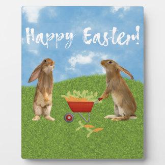 Plaque Photo Lapin désireux avec la brouette des carottes