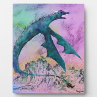 Plaque Photo Monstre blanc de dragon volant au-dessus de