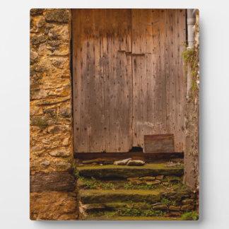 Plaque Photo old door