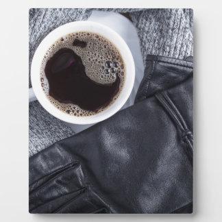 Plaque Photo Vue supérieure d'une tasse blanche avec du café