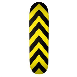 Plate-forme jaune et noire de planche à roulettes plateaux de skateboards
