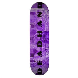 Plate-forme pourpre de patin de pierre tombale de plateau de skate