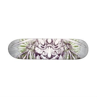 Plate-forme sale de masque samouraï skateboards customisés