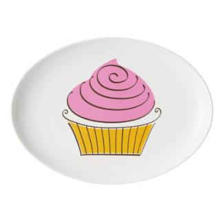 Plateau De Service En Porcelaine Illustration de petit gâteau