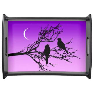 Plateau Oiseaux sur une branche, noire contre le pourpre