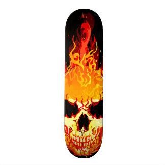 Plateaux De Skateboards Customisés Planche à roulettes flamboyante de crâne