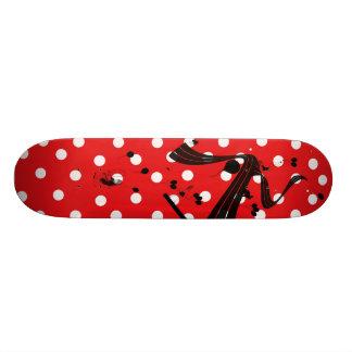 Plateaux De Skateboards Customisés Planche à roulettes rouge et blanche d'élém. de
