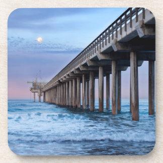 Pleine lune au-dessus de pilier, la Californie Dessous-de-verre