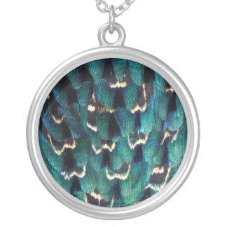 Plume Anneau-étranglée bleue de faisan Pendentif Rond