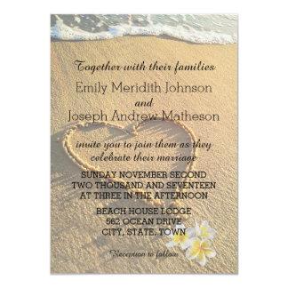 Plumeria de mariage de plage/sable et mer de carton d'invitation  11,43 cm x 15,87 cm