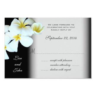 Plumeria sur les cartes- de réponse noires de carton d'invitation 8,89 cm x 12,70 cm