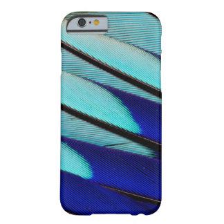 plumes Bleu-gonflées de rouleau Coque iPhone 6 Barely There