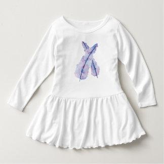 Plumes d'aquarelle de gradient sur la robe de bébé