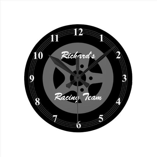 pneu de roue de voiture et horloge murale. Black Bedroom Furniture Sets. Home Design Ideas