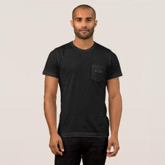 poche noire du T-shirt 4TEN