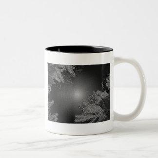 Poinsettia de Noël noire et gris II Mugs