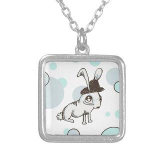 point de polka de lapin des années 1920 pendentif carré