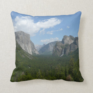 Point d'inspiration en parc national de Yosemite Coussin