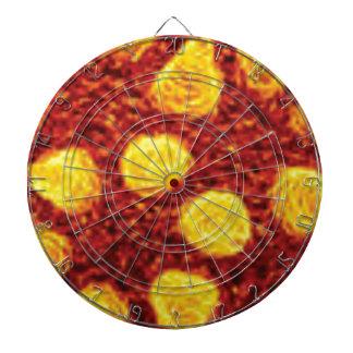 points jaunes outre du rouge cibles de fléchettes