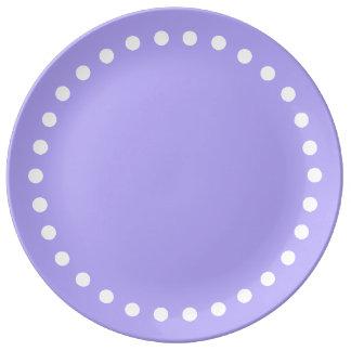 Pois blanc simple sur le lilas bleu assiette en porcelaine